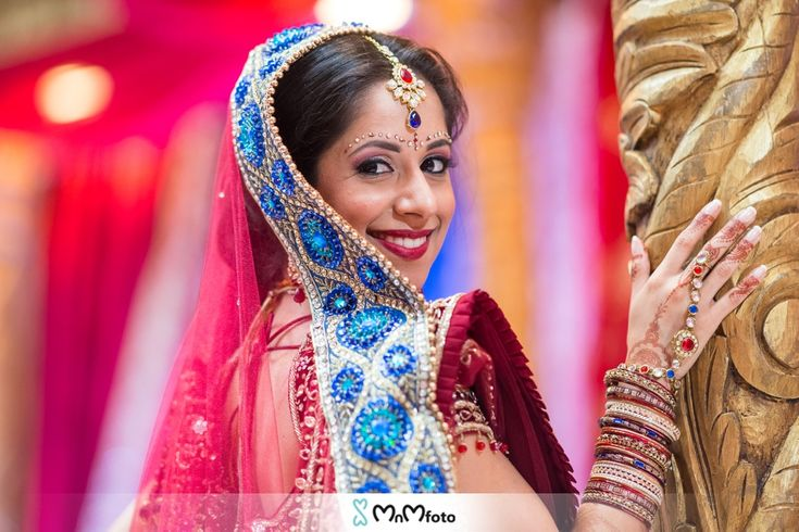 Indian Bride Bridal Portraits At The Mandap Before Ceremony Red And Blue