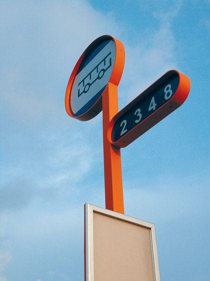 Panneaux d´informations | oz Panneau d'arrêt de bus | mmcité ... Check it out on Architonic