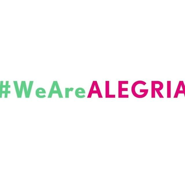 """""""❤️ @alegriamagazine Cheers to sharing the love of our heritage together #Alegriafamilia #bilinguallifestyle #Alegrialife #thecityofdreams #dreams #media #happypeople #Latinas #Latinos #artists #influencers #art #culture #music #inspiration #womenempowerment Thank you to our wonderful sponsors @aventuradancecruise @cottonplus_solution_2in1usa @ponds @carsonlifep @sheamoisture @thinkingpanties @ghndyeyewear @caress #Alegrialife #bilingualmagazine #bilinguallifestyle + all the amazing talent…"""