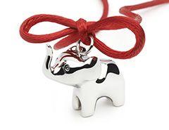 In Afrika wordt de olifant vereerd als een symbool van geluk. Een kleine olifant is ook de mascotte van de langdurige liefdadigheidspartner van Energetix, de Hugo Tempelman Foundation. De Foundation zet zich al vele jaren op een voorbeeldige manier in voor aidswezen in Zuid-Afrika. Met de verkoop van elke olifant hanger doneert Energetix 2 euro aan de Hugo Tempelman Foundation.