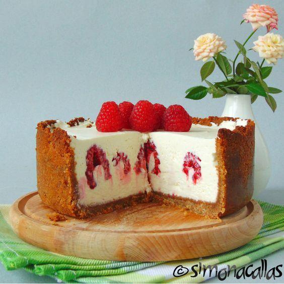 Cheesecake cu ciocolata alba si zmeura - simonacallas