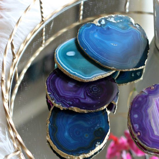 These gold-rimmed agate stone coasters are both functional & fashionable. Make your own & save money!