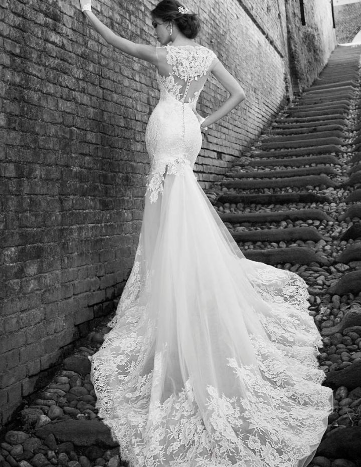 Breathtakingly Beautiful Alessandra Rinaudo Wedding Dresses 2015 Bridal Collection. To see more: http://www.modwedding.com/2014/10/01/breathtakingly-beautiful-alessandra-rinaudo-wedding-dresses-2015-bridal-collection/ #wedding #weddings #wedding_dress  gorgeous train but prob not practical