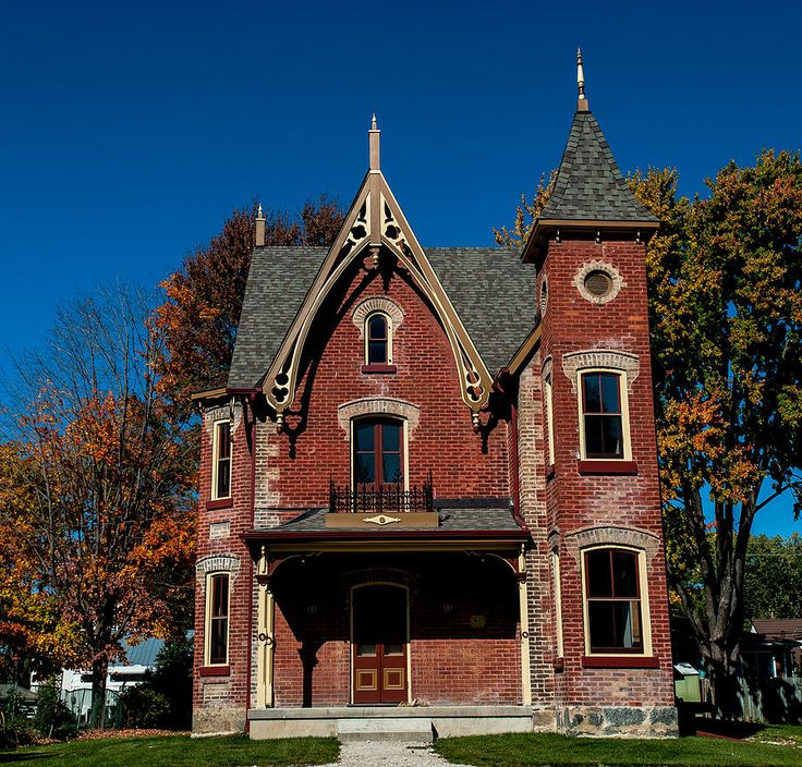 1000 images about home old red brick houses on pinterest for Brick victorian house
