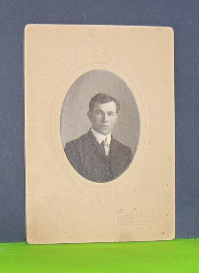 Vintage Photo Portrait of Gentleman Cunningham Photographer  Ontario  Canada