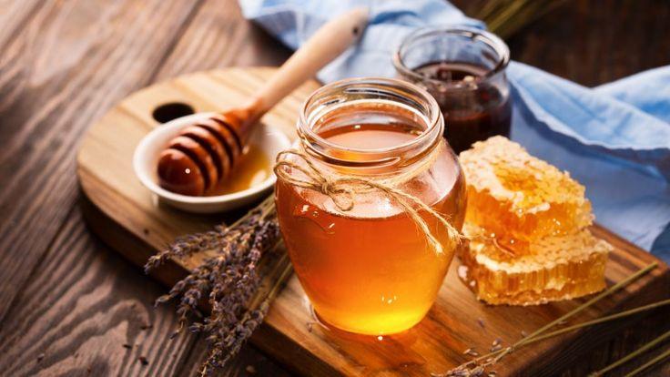 """A méz valódi """"gyógynedű""""! A téli, influenzás időszakban a méz az egyik legjobb gyógyszer a meghűléses, megfázásos betegségek tüneteinek enyhítésére.  A méhek által előállított anyagokkal való gyógyítás ősi eredetű, hiszen a méhek minden terméke gyógyhatással bír: a méz, a propolisz, a méhpempő, a méhkenyér de még a méhméreg is.  A méhészeti termékek koncentráltan tartalmazzák szervezet működéséhez szükséges létfontosságú anyagokat."""