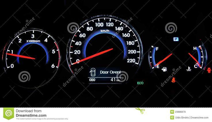 car-dashboard-23886979.jpg (1300×749)