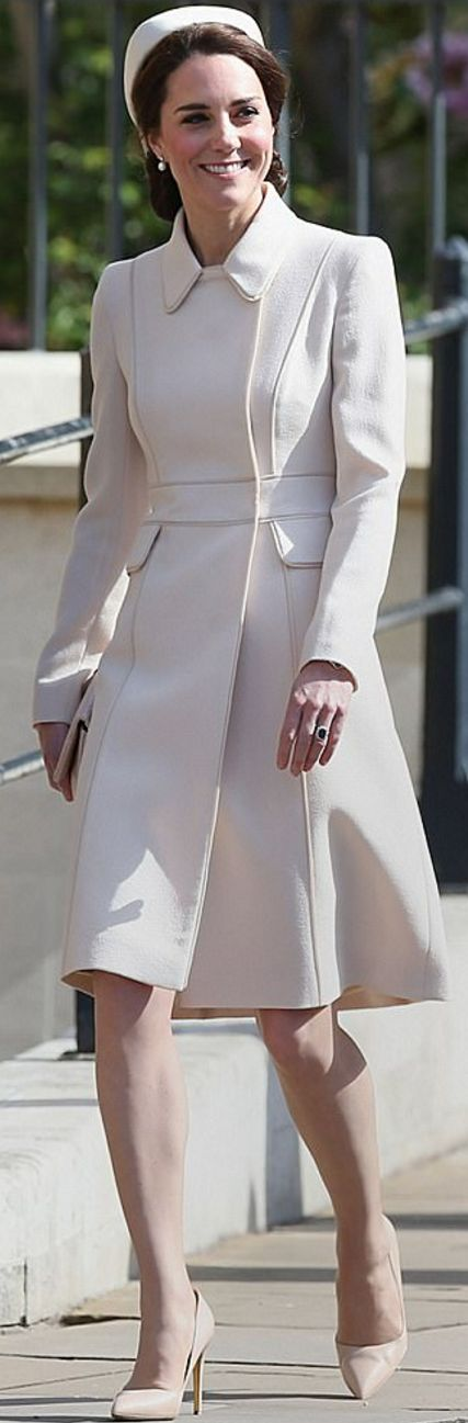 Kate's outfit: Coat – Catherine Walker, Shoes – Rupert Sanderson, Skirt – Whistles, Purse – Etui