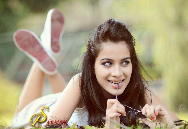 Latest Sizzling Hot Pics of Punjabi Model Sara Gurpal