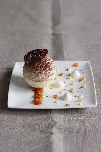 spheres017 Sphère de meringue au miel, mousse nougat, coeur de pommes façon tatin