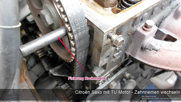 Citroën Saxo mit TU Motor - Zahnriemen wechseln - https://www.bxig.net/citroen-saxo-mit-tu-motor-zahnriemen-wechseln/  Den Wechsel des Zahnriemens habe ich im Rahmen einer Erneuerung einer Zylinderkopfdichtung gemacht. Der Motor auf den Bildern ist wegen der defekten ZKD stark verölt, die schlechte Sichtbarkeit einiger Elemente bitte ich daher zu entschuldigen.  Einleitung:  Der TU Motor ist schon lange bei PSA verfügbar und wurde laut Wikipedia in folgenden Fahrzeugen verbaut.  von Michael…