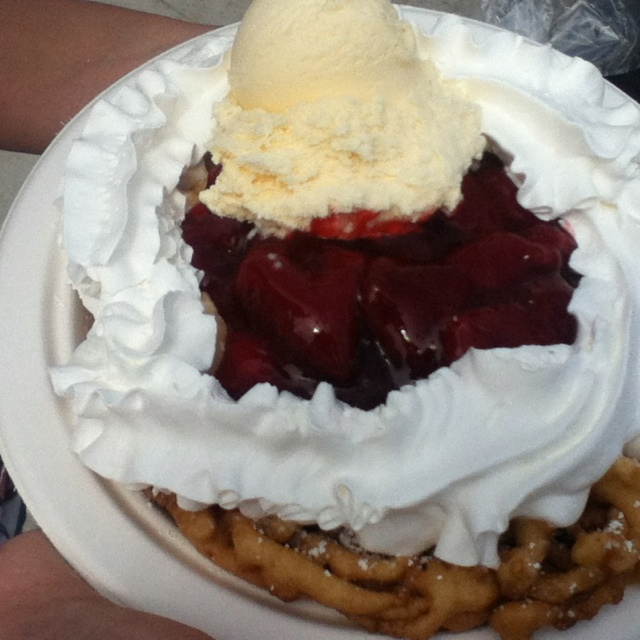 Santa Cruz food bucket list: Funnel cake….Chocolate dipped banana (CHECK! June…