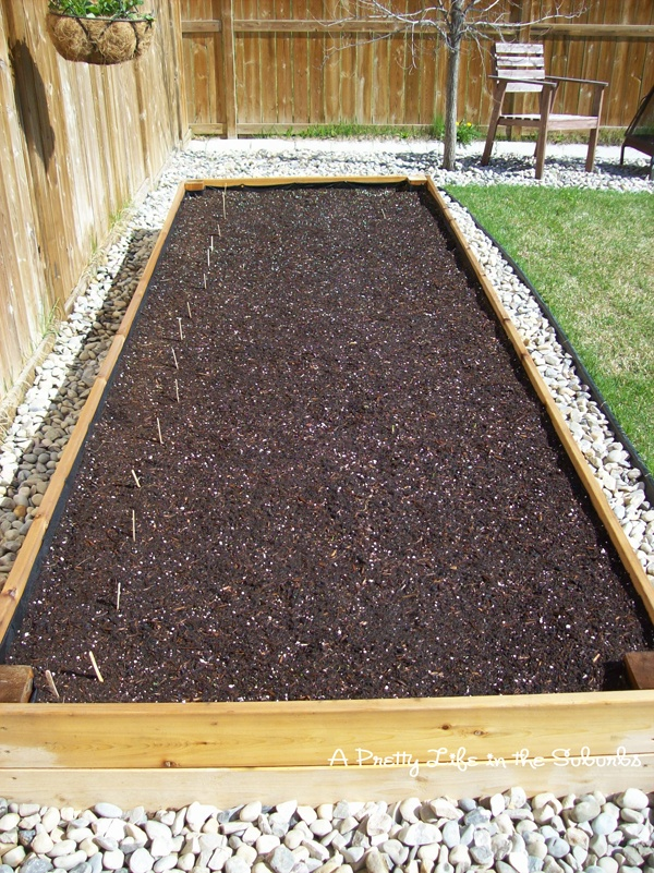 Rock around the garden bed. Great for drainage. How Does ...