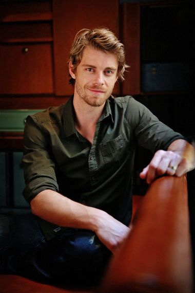 Session #021 - 007 - Luke Mitchell Fan | Your source for Luke Mitchell pictures!