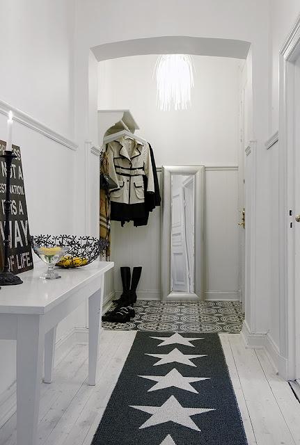 25 beste idee n over hal vloerkleed op pinterest hal runner tapijten en binnenkomst tapijt - Idee deco gang ingang ...