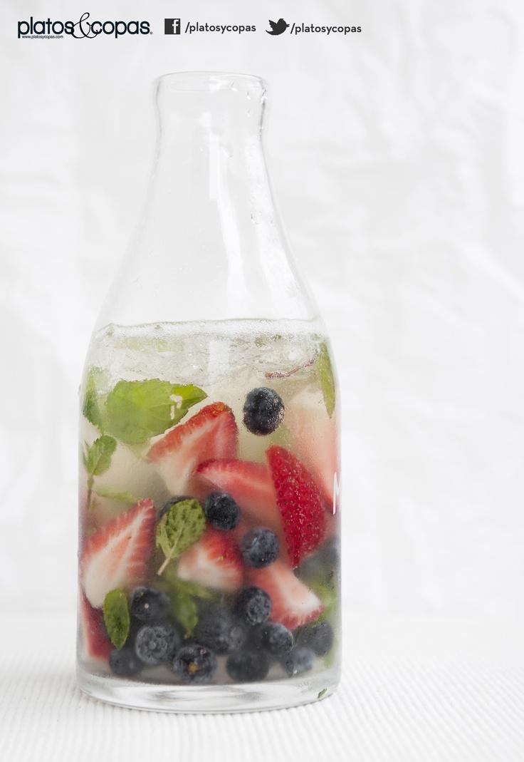 Revista Platos // Mojito de champaña y berries