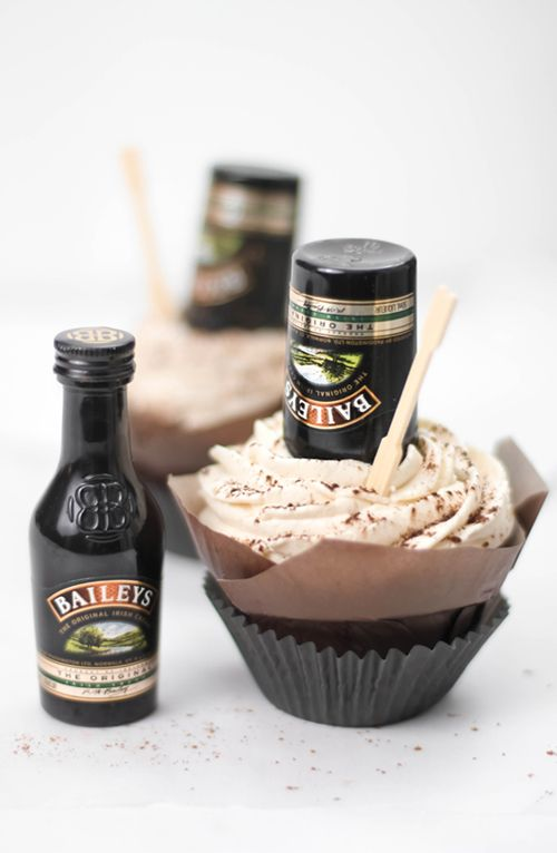 Bottoms Up! Irish Cream Hot Fudge Cupcakes! #Dessert #StPatricksDay