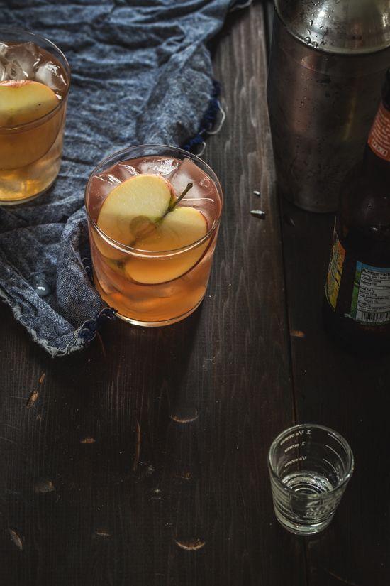 Cranberry Apple Cider Cocktail   www.jellytoastblog.com   #moody #directionallight