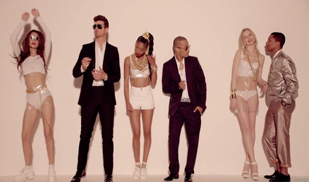 Now Playing: Robin Thicke Blurred Lines Unrated - Watzijzegt.com