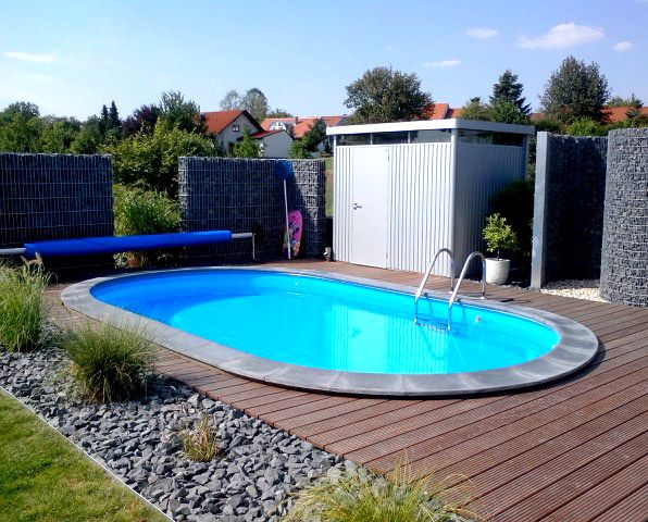 Der eigene Pool im Garten sorgt auch zu Hause für das richtige Urlaubsflair