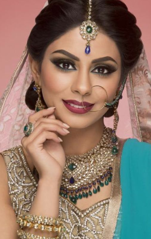 Beautiful Dulhan With Adorable Nathni | Nath | Pinterest | Indian Beauty Indian Nose Ring And ...
