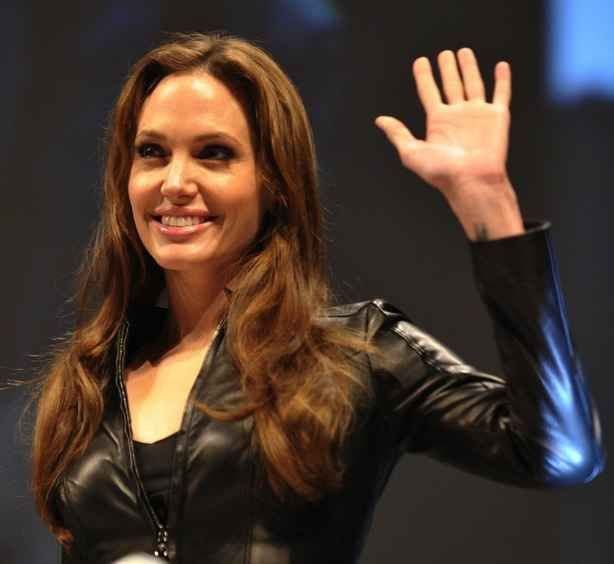 Angelina Jolie | 59 Famous People Who Are Left-Handed