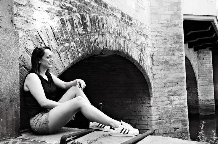 Wacht niet op bijzondere momenten maar maak de gewone momenten bijzonder  - #project365 #day177 #photochallenge #city #dordrecht #dordrechtcentrum #instadordrecht #ilovedordrecht #dordt #grachten #historisch #beautifuldordrecht #citygirl #blackandwhitephotography #blackandwhite #sneakers #adidas #photo #photographer #dk_photography #cityphotography #portretfotograafdordrecht #portretfotografiedordrecht #portraitphotography #geefjeookop #fotoshoot #portraitinthecity #stadsfotografie
