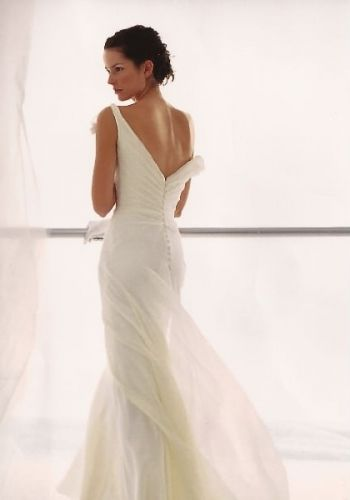 Love The Daring And Chic Low Back On This Le Spose Di Gio Gown San Designer Wedding