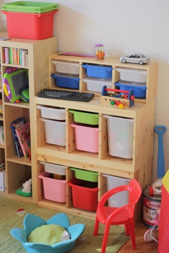 Ikea Kinderbett Kritter Rot ~ Storage ideas for toddler room Ikea Trofast units Small unit on top