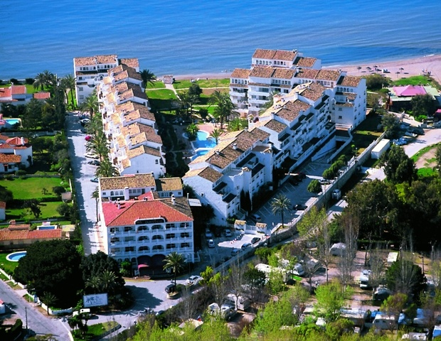 Cheap holidays in Spain at Club Playa Real. £ 110 for 2 adults and 2 children total cost for 7 nights accommodation. On the beach, close to Marbella town centre with famous Puerto Banus nearby.   http://www.holidayscheep.com/index.php/club-playa-real