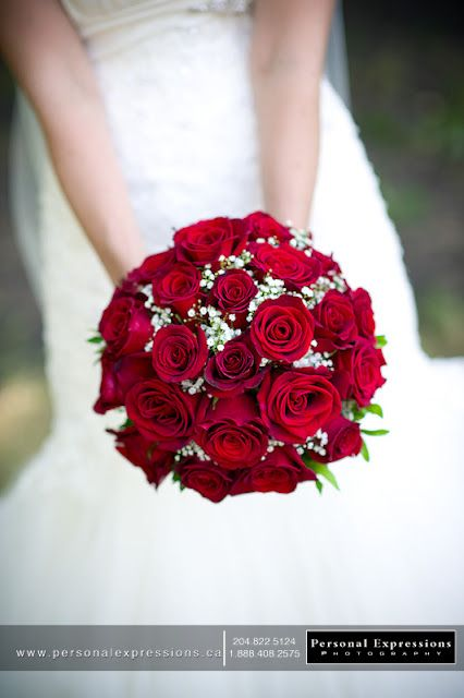 red rose wedding bouquet... Sometimes J forget how good classic red roses look…