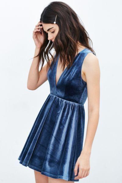 Interesting velvet sheen and beautiful jewel tone blue. A bit short.