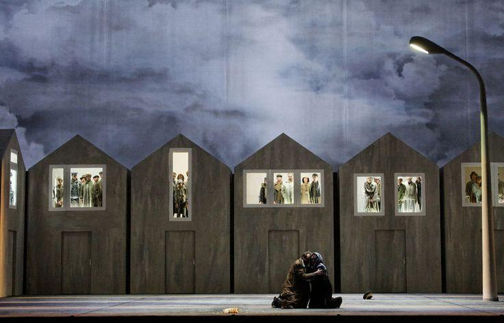Macbeth DVD - Dmitri Tcherniakov - Opéra de Paris | OPERA Like the idea of houses for an installation.