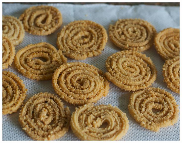 Murukku adalah salah satu snack yang biasanya disajikan di hari raya Deevali. Jumlah Etnis India cukup banyak di Medan, jadi makanan...