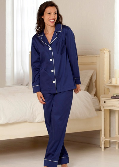Julianna Rae offers the epitome of taste and quality in luxury sleepwear for women. Our women's silk sleepwear will make any woman feel elegant and special. Visit and buy now!