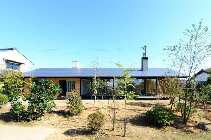 「林の中に住む。」: 丸山晴之建築事務所が手掛けたtranslation missing: jp.style.家.eclectic家です。