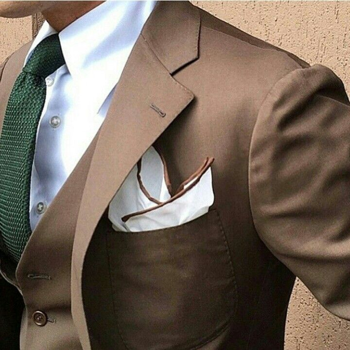 Wondering how to pair your brown suit? This is a great way to break it in! Crisp white shirt, hunter green knit tie, white pocket square with brown edges