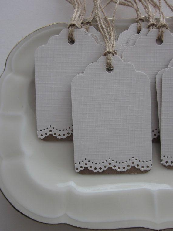 Bruilofts cadeaulabels met een kantrand van van SierGoed op Etsy, €6.95