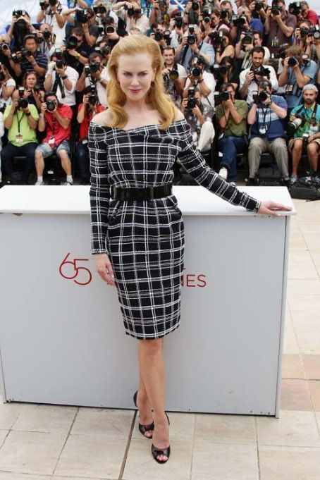 """Nicole Kidman in Dior at a photocall for """"Hemingway & Gellhorn"""" at the 65th Cannes Film Festival"""