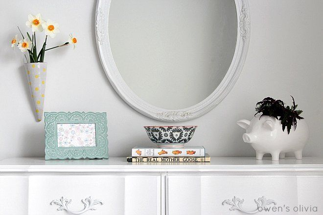 Sophisticated Dresser Styling With Chic Mirror For a Girls Bedroom.