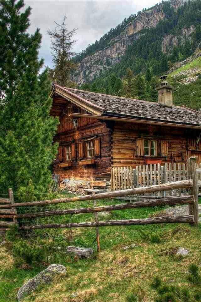 Ein Haus sollte immer in die Landschaft passen wie dieses Foto zeigt.....