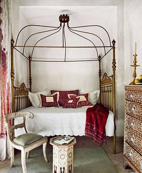 Beautiful Canopy Bed Decorating Ideas