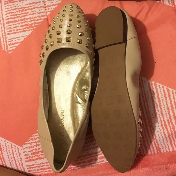 IVANKA TRUMP FLATS FOR SALE! NEW! Ivanka Trump tan colored flats with a dazzled tip. NEVER BEEN WORN! Ivanka Trump Shoes Flats & Loafers