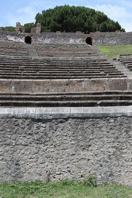 Pompeii, Italy ampitheatre, Leisure Activities