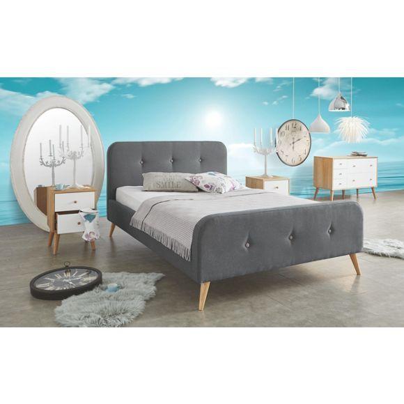 Auf diesem Polsterbett von AMBIA HOME verbringen Sie lange und erholsame Nächte. Dank des bequemen Kopfteilpolsters lehnen Sie sich am Abend auch ohne Rückenkissen bei einem guten Buch zurück. Der Bezug ist in modernem Dunkelgrau gehalten. Passende silberfarbene Dekoknöpfe setzen einen geschmackvollen Akzent. Das passende Bett für eine moderne Einrichtung im trendigen Design für Ihr Schlafzimmer!