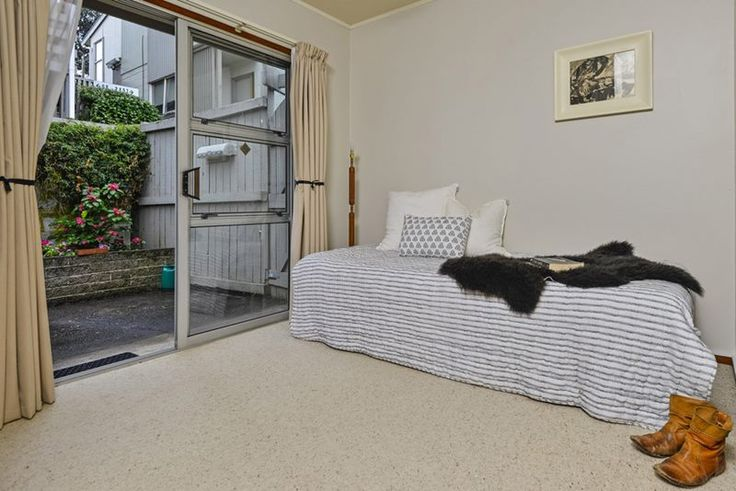 #apartment #dayroom #art #tosswollaston #relaxedinterior #black&whiteinterior #styling by #placesandgraces