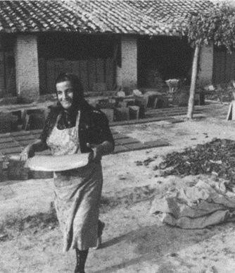 #Historyof #ceramicafrancescodemaio | essiccazione del cotto a mano Giuseppe Cassetta