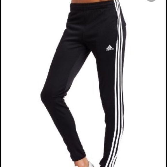 Adidas skinny sweatpants In perfect condition, hardly worn. Skinny fitted sweatpants with pockets and adjustable drawstring on inside of pants. Can fit a small to medium Adidas Pants Track Pants & Joggers