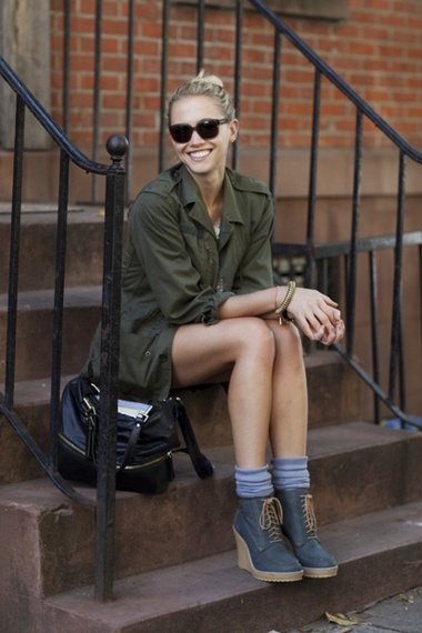 Love the oversized olive green Army shirt.