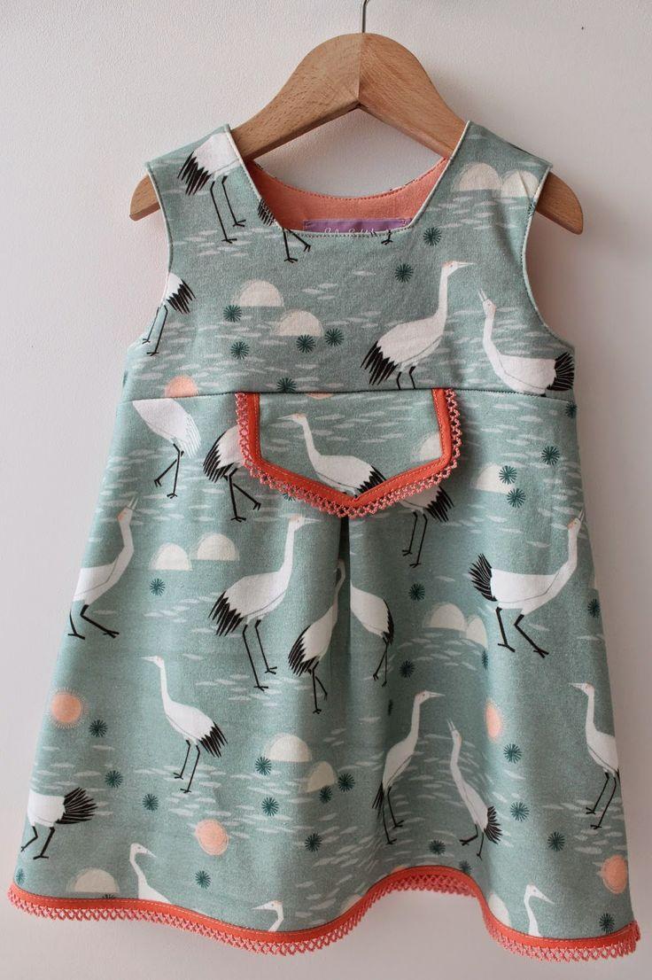 Eindelijk, het grote zusje in maat 80  van het tricot babykleedje is een feit!        Mijn meisje heeft dit maatje 80 gedragen vanaf haar 9...